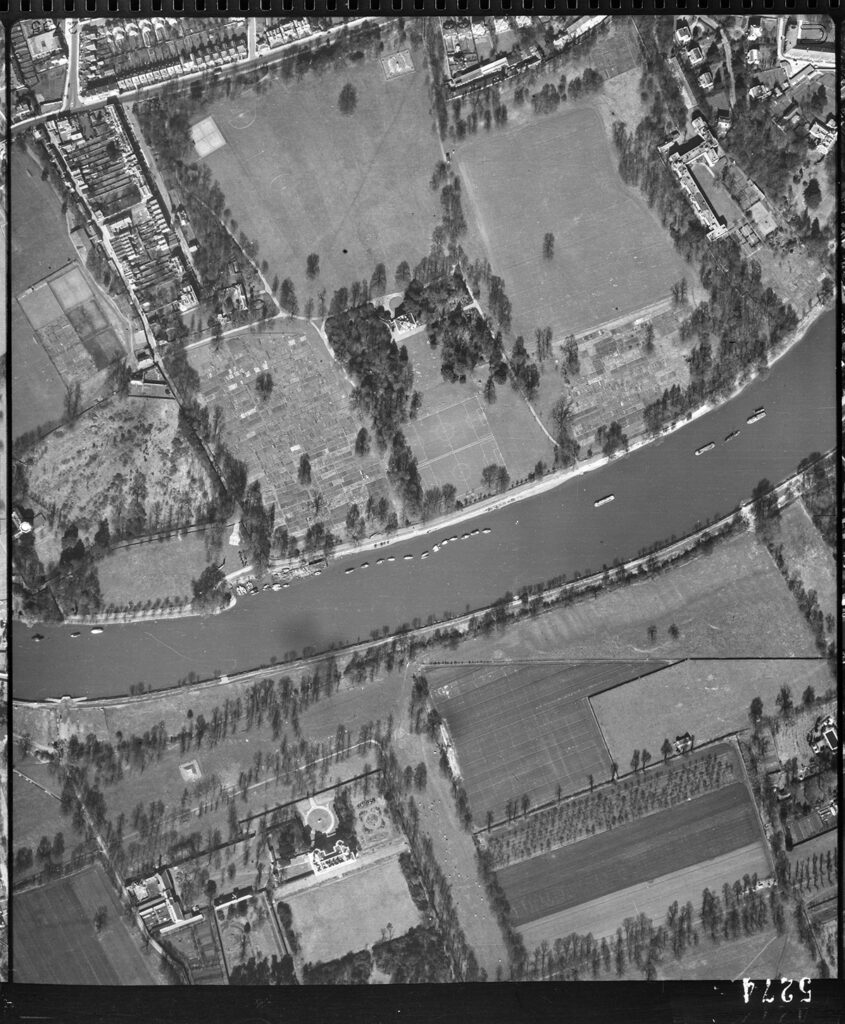 Royal Air Force aerial photograph showing the location of the Marble Hill shelter. © Historic England